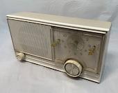 Beautiful Vintage (1960 39 s) Motorola Mid Century Radio Alarm Clock White Tan Box with White Face Mid Century Alarm Clock MCM Atomic Face