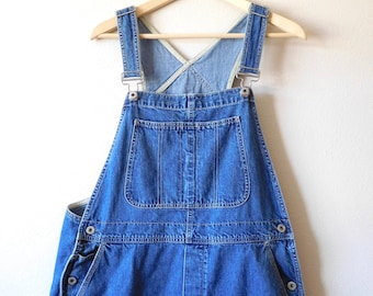 2a82b66ae0e8 Size L   XL Gap Overalls Vintage 1990s 90s Mom jeans Medium wash Denim  Cotton Classic Iconic Dungarees Coveralls Bibs Pants Jeans