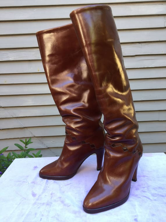 1970s 1980s Made in Italy stiletto brown leather b