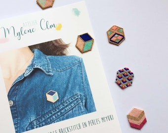 KIT COMPLET: Weaving a brooch in Miyuki beads, material and explanation booklet / Introducing brickstitch weaving for beginners