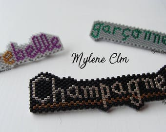 Customizable text brooch