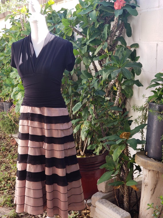 1940s Inspired Ruffle Rouched Stretch Black and Du