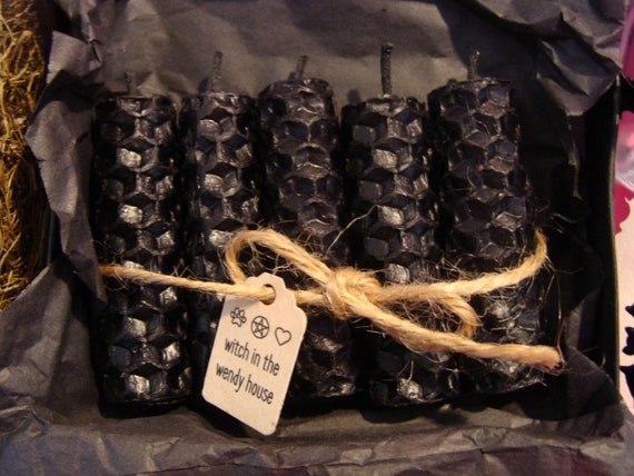 Witch Supplies - Handcrafted Old English Black Wick Pure Beeswax Spell  Candle Gift Box - Witchcraft - Samhain - Black Spell Candles