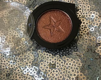 Bronze Me Golden eyeshadow
