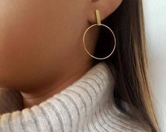 Gold hoop earrings/ thin hoop earrings/ minimalist/ circle gold earrings