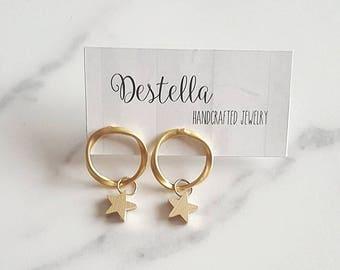 Gold star earrings/ small star earrings/minimalist star earrings/ matte gold plated