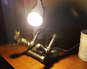 Yogi pipe lamp
