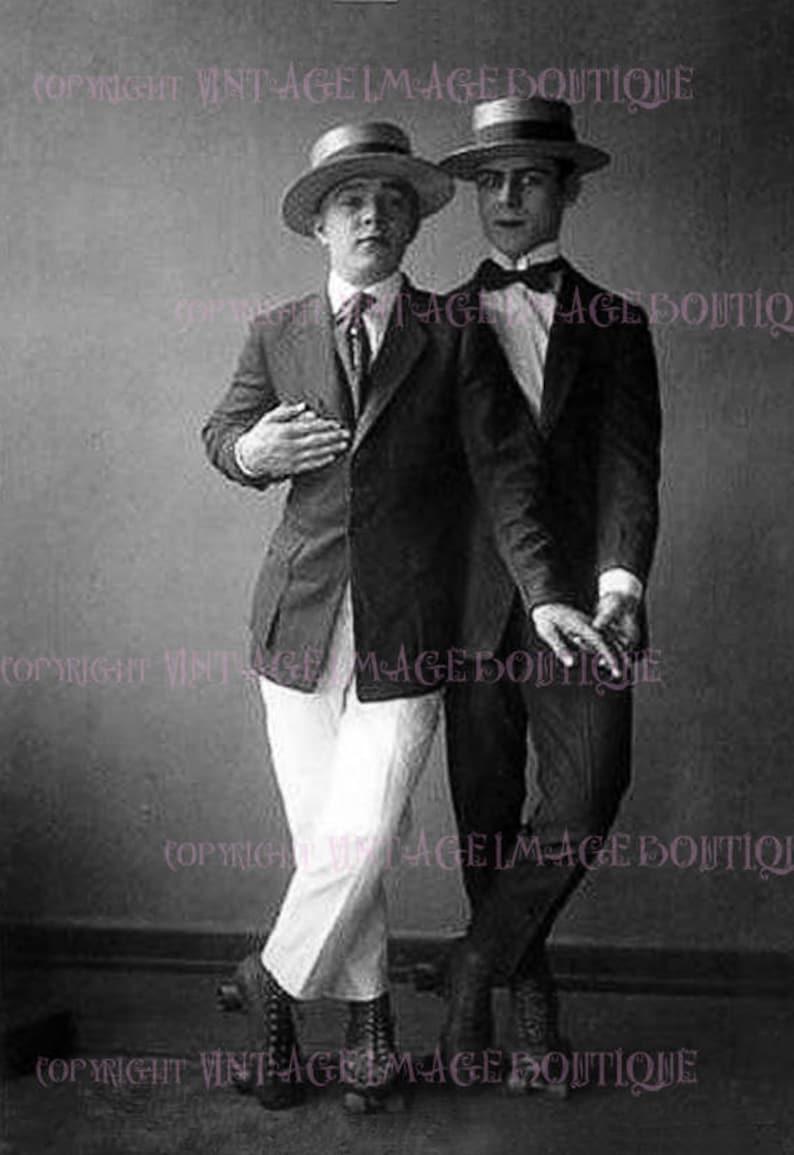 Lovely 1920 s Gay Men Couple In Boater Hats   Roller  4677ecc5121a