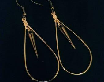 Teardrop hoops with spike