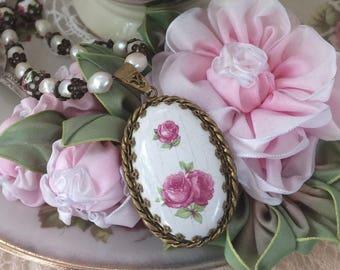 Crazed Porcelaine Rose Pendant Necklace