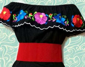 S-M  Mexican blouse/ Off the shoulder embroidery/ mexican top /mexican embroidered/ floral blouse