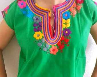 S-M Mexican Blouse/ Hand embroidered/ mexican top/ mexican embroidery/ floral blouse/mexican top/peasant blouse