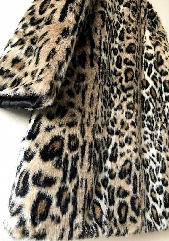 Faux Fur Leopard Print Coat. Faux Fur Cheetah prin