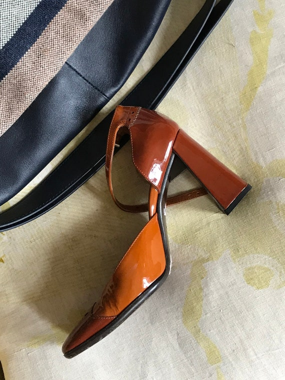90s Prada Patent Leather Brown Pumps - image 3