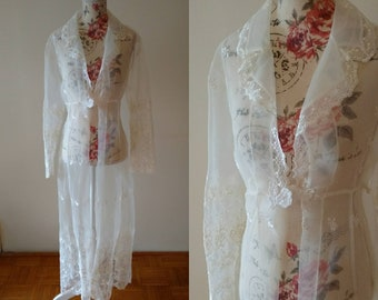 vintage 1960s white floral embroidered robe