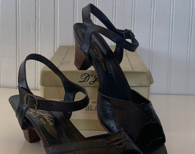 Vintage 70s Deadstock Size 9 Wide Width Leather Sandals Black Brown Low Heel Mint New Condition Spring Shoes D'Julia Brazil 80s 8.5