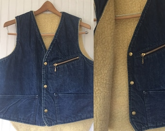 Vintage 70s Carters Denim Sherpa Vest - Medium - Seventies Unisex blue jean sleeveless jeans jacket Festival Fall
