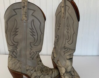 Vintage 70s Miss Capezio Gray Snakeskin Leather Boots 8M Cowboy Western Cowgirl Boho Snake Skin Animal Print Grey Shoes Fits 7 7.5 Pointy