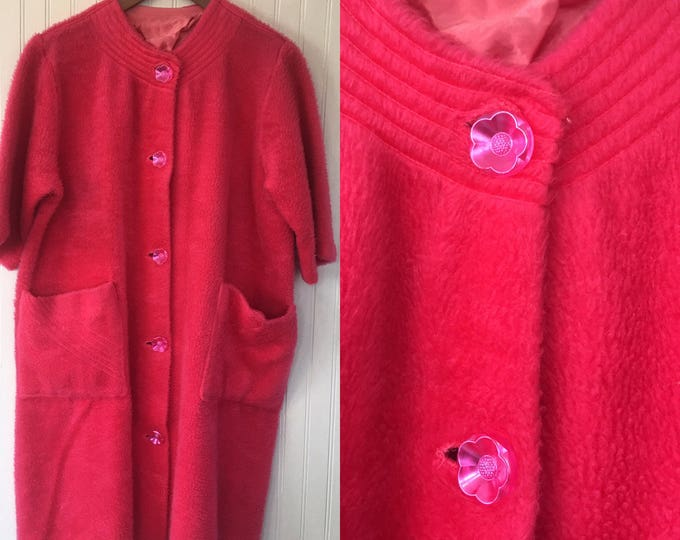 Vintage 60s Hot Pink Faux Fur House Coat Size Small Short Sleeved Jacket Festival Furry Flower Buttons Fits XS-M Leisure Lady Loungewear