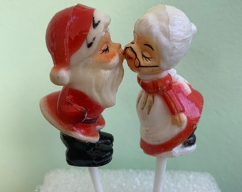 Vintage 60s/70s Mr and Mrs Claus Kissing Kitch Decorative Picks Set of Two Christmas Santa Original Packaging Cupcakes Cakes Decorating Wedd