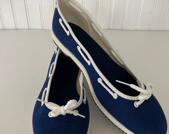 Vintage 80s Deadstock Size 9 Boat Shoes Slip Ons Rope Blue White Slides Mint New Condition Spring Sailor Shoe 40 Slide Ons Tennis shoes 70s