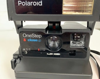 Working Polaroid One Step Close Up 600 Film Camera Black with Flash Eighties Instant Photography Gift Sale Vintage