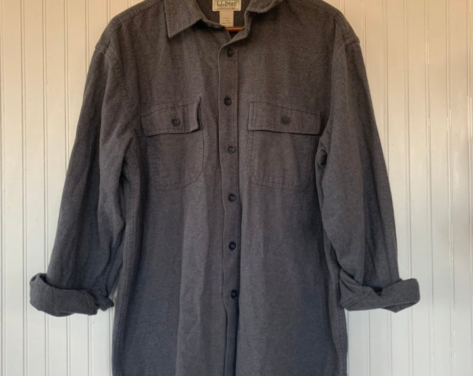 Vintage Large LL Bean Chamois Cloth Grey Shirt Long Sleeve Button Down Oxford Gray Grunge Shirts Pockets 80s Work Wear Winter Clothes