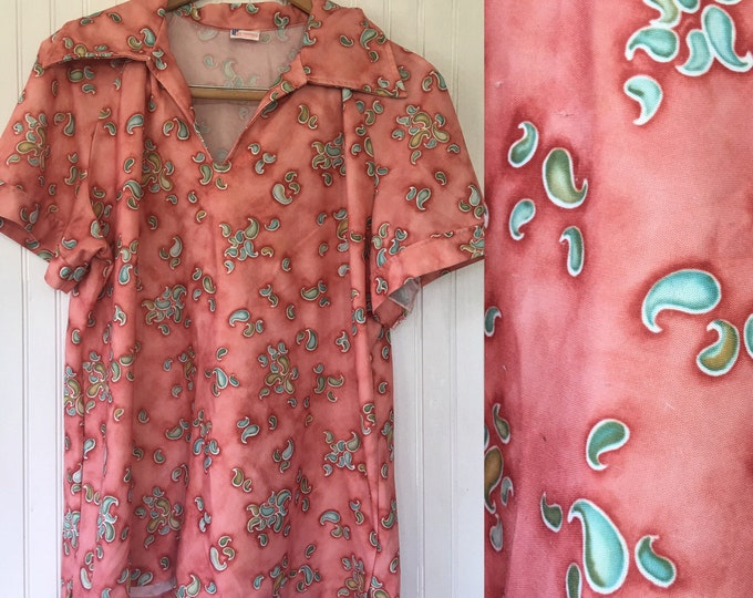 Groovy Vintage 70's Paisley Coral Pink Green White Blouse Shirt Wide Collar Disco Polyester Printed Polo Lady Fairfield Size Large L XL L/XL