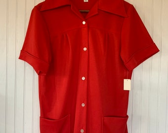 Vintage 80s XL Bright Red Short Sleeve Top Wide Collar Shirt Smock Pockets Button Down Eighties 40 Large L L/XL Christmas 70s