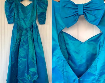 Vintage 80s XS Puff Sleeve Shiny Turqouise Blue Princess Dress Prom Formal Alfred Angelo Bridesmaid Party Wedding 0 1 2 3 4 small Eighties