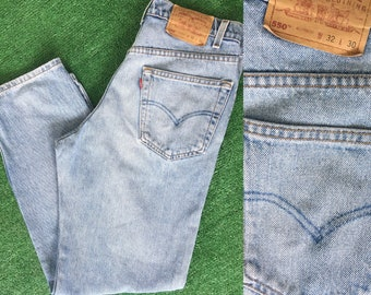 Vintage 90s Levis 550 Red Tab Jeans 32 Grunge Light Medium Blue  Wash Denim 32 x 30 Worn In 80s High Waist Relaxed Fit Baggy