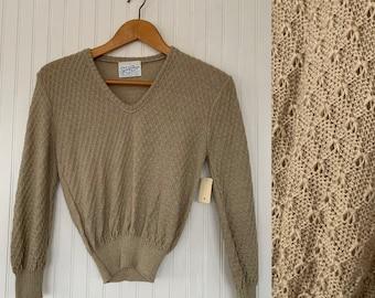 NWT Vintage 80s Medium Beige V Neck Pullover Knit Sweater Deadstock 70s nos Med M S/M Tan Textured Sheer Boho Tops Spring Seasons