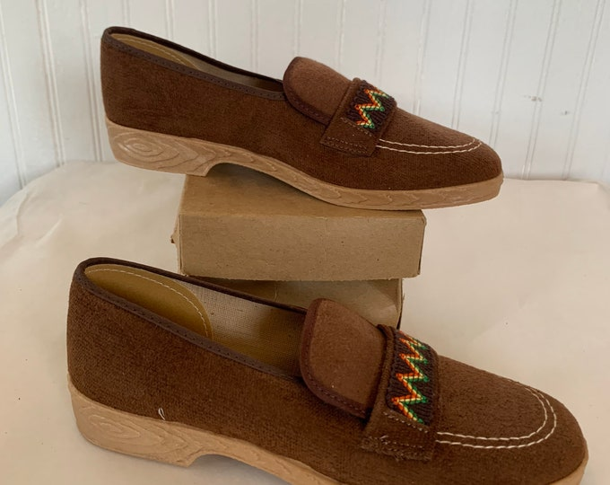 Vintage 70s Size 5.5 Brown Embroidered Red Yellow Green Loafers Shoes Slip Ons Slides Spring Summer Hippie Shoe 80s Rasta Comfy 5 Deadstock