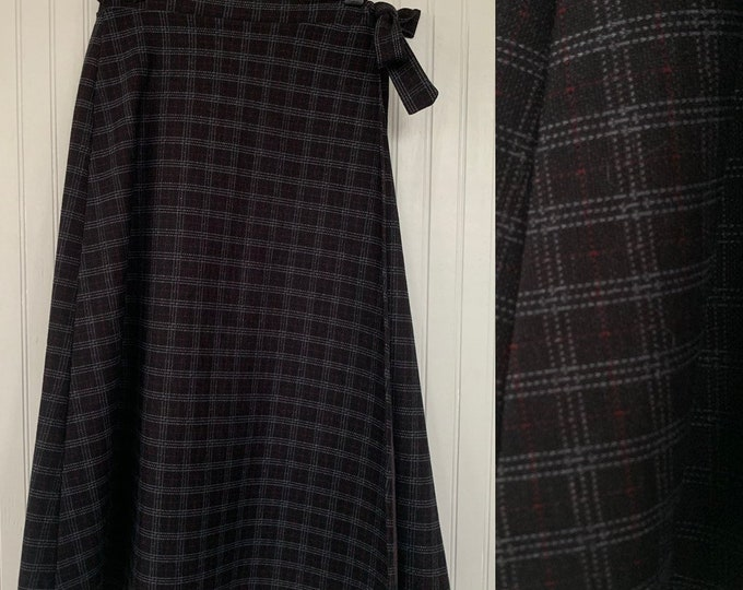 Vintage Deadstock 80s XS Wrap Plaid Skirt Black Red Gray Check Below Knee Tie Waist Boho 70s NOS Unique Polyester XXS 25 waist Christmas