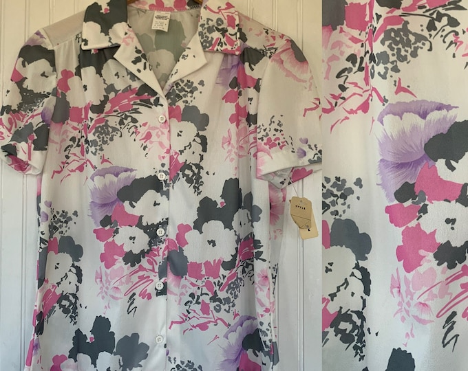 80s Vintage Small Medium White Pink Purple Floral Blouse Button Down Collared Top Short Sleeves Size S M Shirt Seventies Hawaiian Deadstock