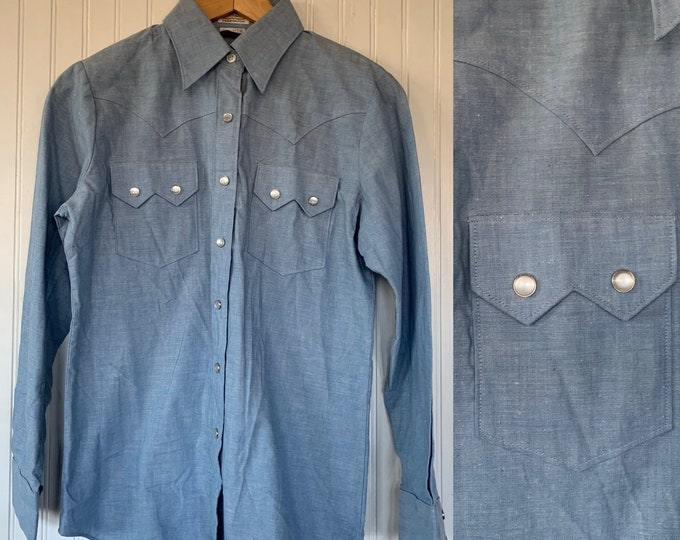 Deadstock Vintage Chambray Blue Snap Front Long Sleeve Shirt 32 Small XS/S XS S Top Button Down Shirt S Western Boho snaps Cowgirl Pockets