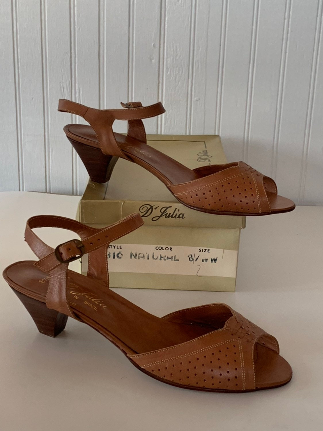 e55f1d98503 Vintage 70s Deadstock Size 8.5 Wide Width Leather Sandals Brown Low Heel  Mint New Condition Spring Shoes D Julia Brazil 8 80s 8.5WW