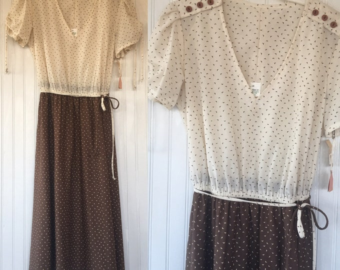 NWT Vintage 70s Bat Lady Sheer Brown Beige Dress - Size Medium M - Deadstock 1979 - Festival Babydoll Pinup 80s Small Puff sleeve