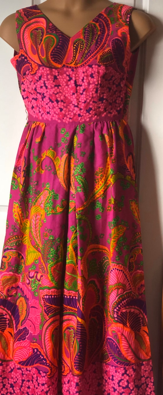 Alice of California Polynesian 60s Maxi Jumper Haw