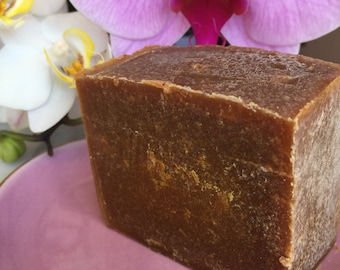 Spicy - Handmade soap enriched with Shea butter, organic 100% ingredients.
