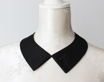 Black collar necklace with floral pattern ribbon pointed shape detachable removeable accessories for women two-sided plain peter pan classic
