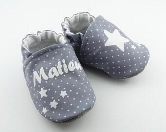 e5acb83b65ee7 Chaussons bébé personnalisables semelle cuir avec étoiles