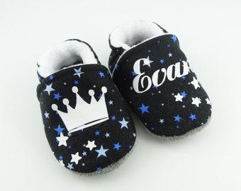 1210b79c07fd9 Chaussons bébé personnalisables semelle cuir avec couronne