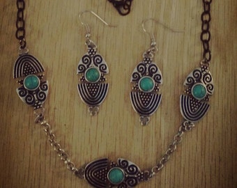 Southwestern turquoise necklace and earrings set