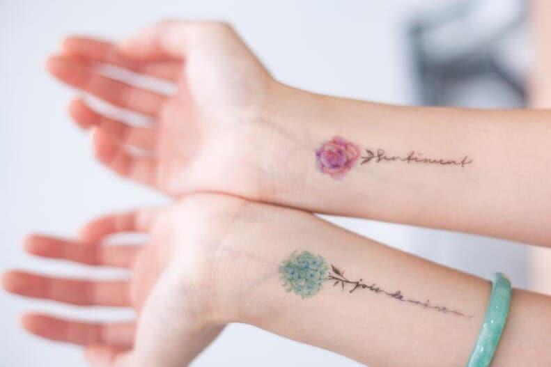 3 kleine blumen tempor re tattoo blume tattoo aufkleber etsy. Black Bedroom Furniture Sets. Home Design Ideas