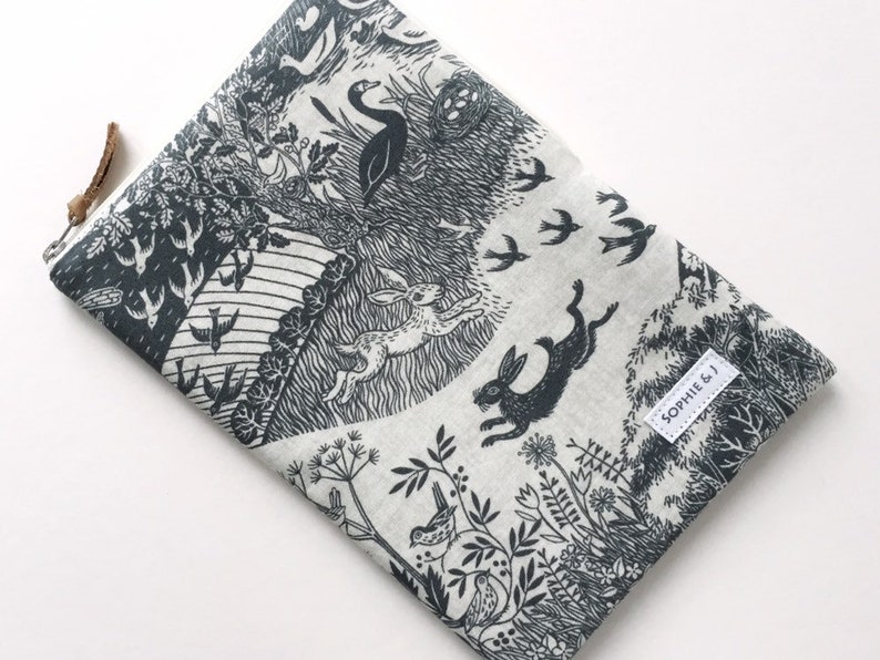 Grey Concord Heartwood Scenic print padded zipped case for image 0