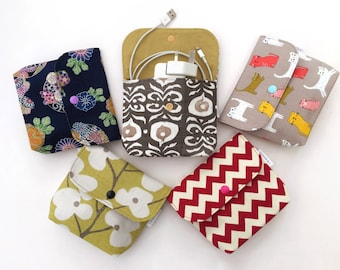 Pouch purse for accessories, cable, phone charges, personal items