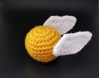 Golden Snitch crochet catnip cat toy, Harry Potter inspired amigurumi