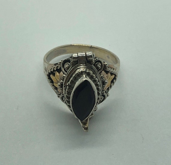 Poison Ring, Silver Garnet Poison Ring, Size 5