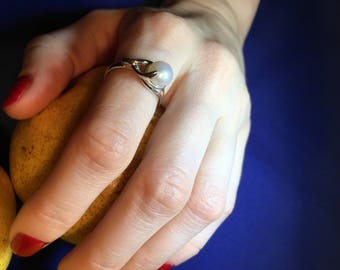 Womens Sterling Silver Ring with a Pearl, Pearl gemstone